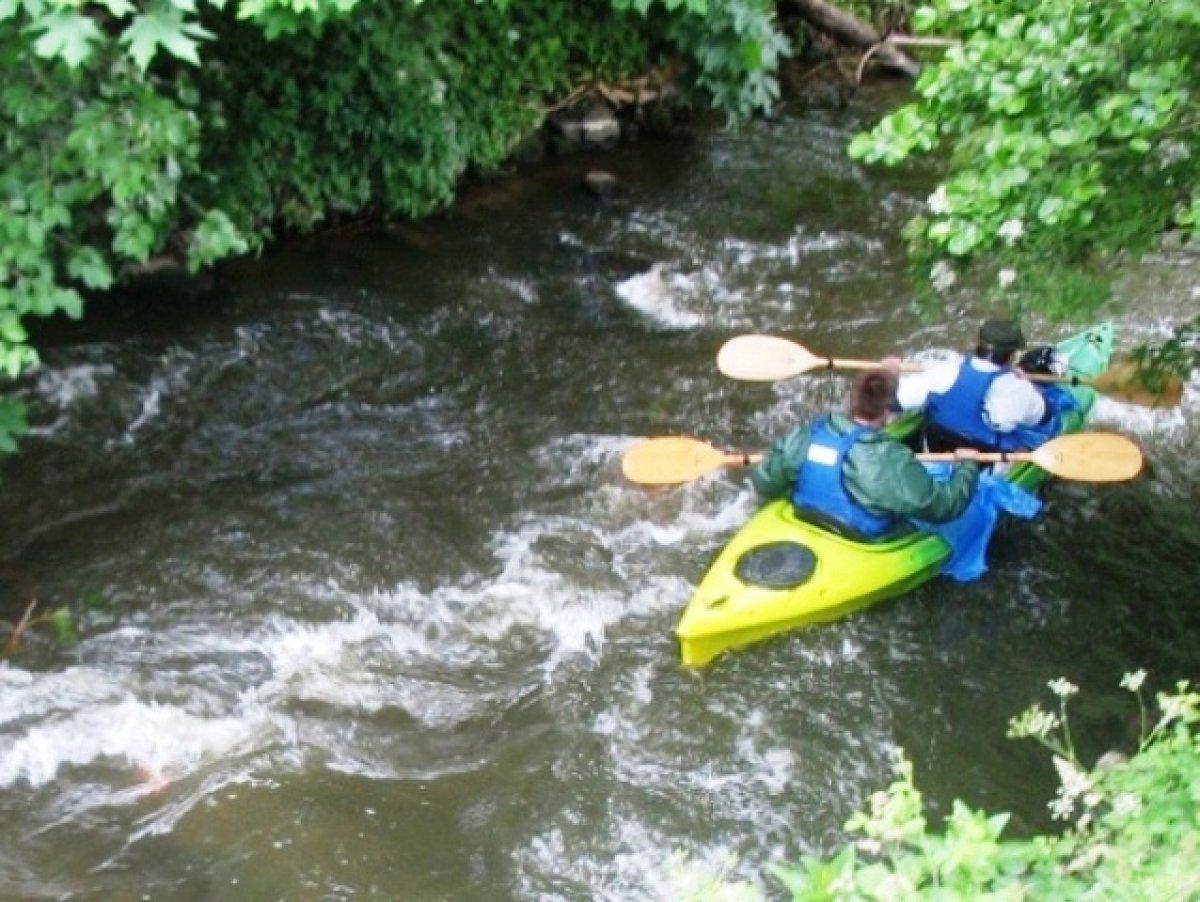 Mazury _ Pole namiotowe nad rzeką Wel * Spływy kajakowe * Noclegi